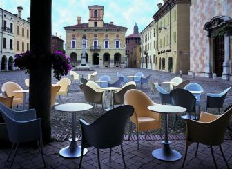 Driade Lord YI Tisch Philippe Starck