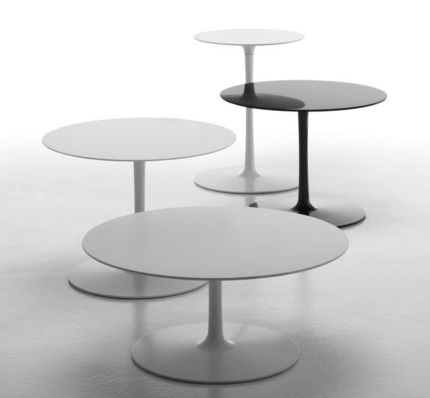 designwebstore flow low 44 x h 57 cm weiss. Black Bedroom Furniture Sets. Home Design Ideas
