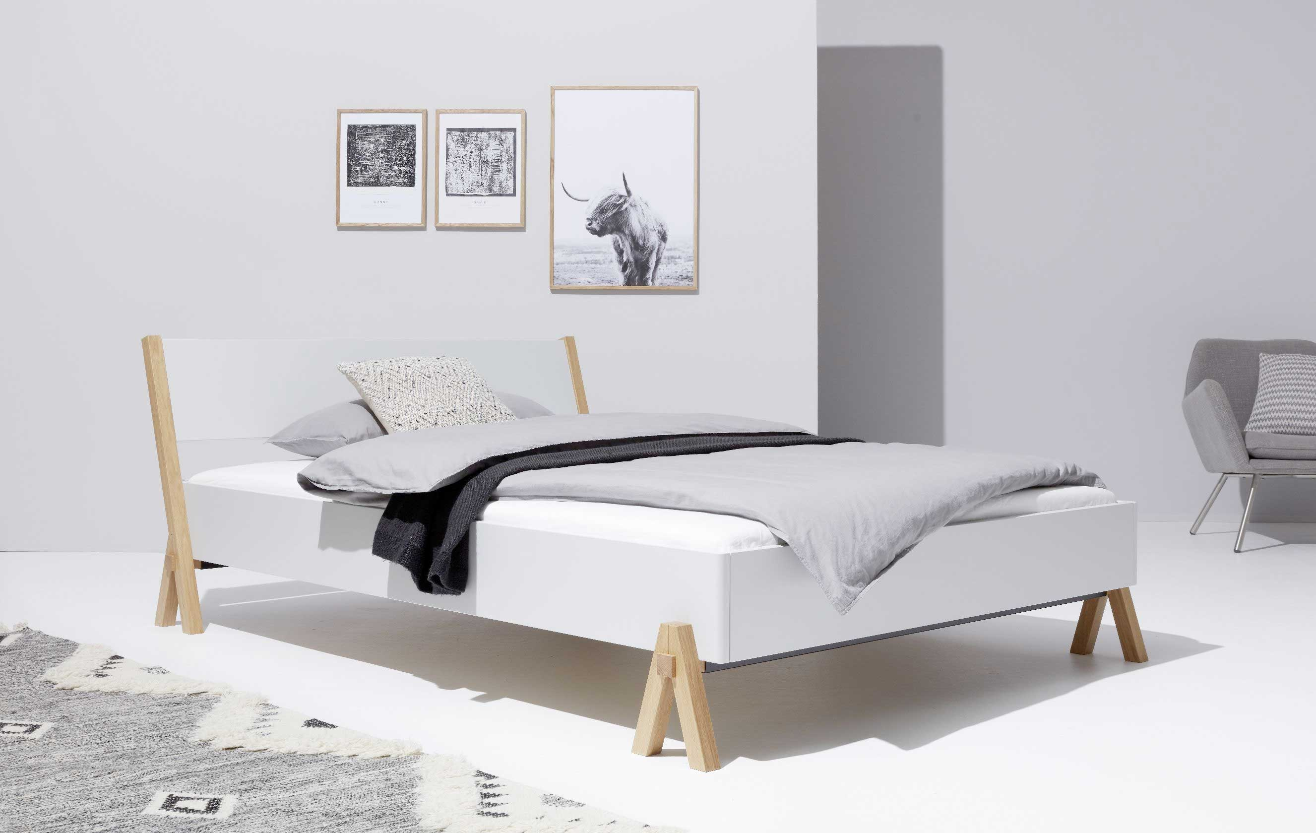 designwebstore boq bett weiss 140 x 200 cm mit lattenrost ohne matratze. Black Bedroom Furniture Sets. Home Design Ideas