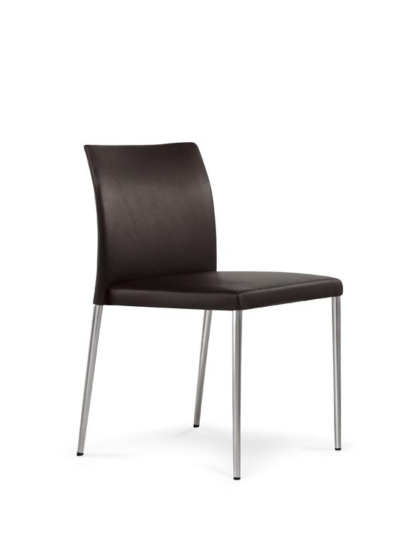 Designwebstore deen stuhl mit geschlossenen armlehnen for Design stuhl filz